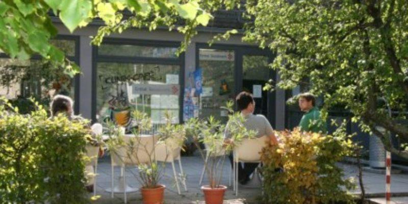 #1237 (kein Titel) – Kaffee, Snacks und leckere Speisen erwarten Sie in unserem Klinik-Café auf dem Gelände der Uni-Klinik Würzburg.